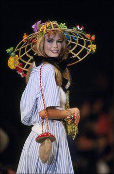 Le sac amanite tue-mouches du défilé Chanel printemps-été 1992