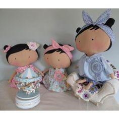 Esta fofura de bebê é o mais novo padrão das   bonecas Tilda's ideal para criança.     A boneca companha, o vestido, calcinha, a calça co...