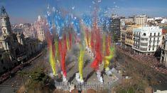 Uno de los principales atractivos de las Fallas de Valencia es La Mascletà, donde el olor a pólvora, el sonido y estruendo de la traca son sus protagonistas. View Map, Holiday Fun, Beautiful Places, Spain, Instagram, Camping, World, Outdoor Decor, Live