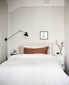 minimal home Minimal beige home - via Coco Lapine - Minimal Bedroom, Minimal Home, Modern Bedroom, Contemporary Bedroom, Minimal Decor, Minimal Design, Home Bedroom, Bedroom Decor, Bedroom Ideas