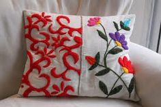 comprar bordados a mano - Buscar con Google Mexican Embroidery, Hungarian Embroidery, Wool Embroidery, Embroidery Motifs, Cross Stitch Embroidery, Embroidery Designs, Patchwork Pillow, Flower Pillow, Rug Hooking
