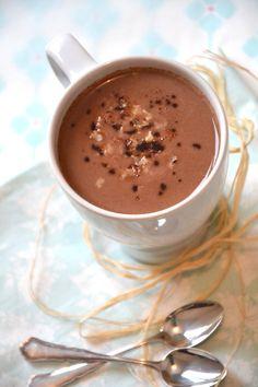 Les recettes de Juliette - Chocolat chaud au lait de coco, lait d'avoine & noix de pécan