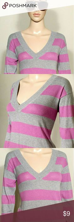 GAP Womens Gray Striped Cashmere Sweater Size S SMALL 90% Cotton 10% Cashmere In Very good condition!! Very adorable!! A great gift!! Fast shipping!! GAP Sweaters