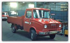 Vintage Trucks, Old Trucks, Classic Trucks, Classic Cars, Mercedes Benz Unimog, Old Commercials, Work Horses, Bus Coach, Commercial Vehicle