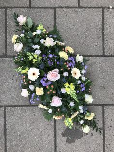Double ended coffin spray funeral tribute, created using seasonal pastel coloured flowers Funeral Flower Arrangements, Funeral Flowers, Wedding Flowers, Funeral Sprays, Funeral Tributes, Pretty Pastel, Cut Flowers, Coffin, Floral Design