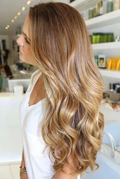 Loose wavy hair ... Love these curls!!!
