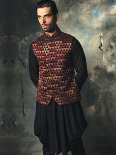 Silk waistcoat with embroidery and cowl Kurta
