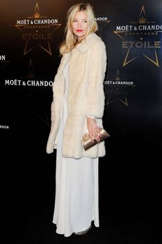 Kate Moss White Fur Coat - Fashion Pictures of Kate Moss