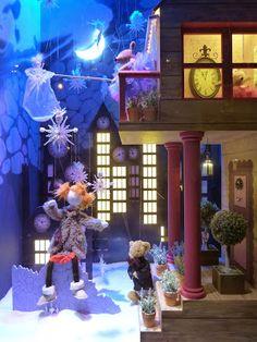 Retour en enfance, vitrines et illuminations des Galeries Lafayette et du Printemps Noël 2013