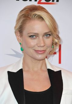 Laurie Holden Photos - Actress Laurie Holden attends the Annual AFI Awards at Four Seasons Los Angeles at Beverly Hills on January 2013 in Beverly Hills, California. Lea Michele Boyfriend, Lea Michele Hair, Celebrity Bra Sizes, Laurie Holden, Lingerie Images, Nelly Furtado, Childhood Photos, Celebrity Portraits, Great Women