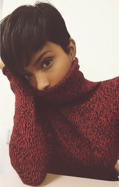 ♥ I've always been fascinated with short looks like this. When I'm brave enough to cut my real hair I'll try it! ♥