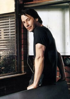 Keanu Reeves a gentle soul The one man I truly adore Keanu Reeves Young, Keanu Charles Reeves, Mel Gibson, Keanu Reaves, Little Buddha, Matrix, Hollywood, Attractive People, Thing 1