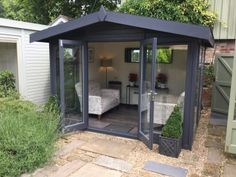 The Studio Apex is available in sizes: wide x deep x up to wide x deep x It is part of the Traditional Range by The Malvern Collection. Backyard Office, Backyard Studio, Garden Studio, Garden Office, Backyard Patio, Summer House Garden, Home And Garden, Garden Cabins, Garden Sheds
