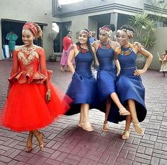 gorgeous bride Tsholo in a on her traditional wedding African Bridesmaid Dresses, African Wedding Attire, African Print Dresses, African Print Fashion, African Wear, African Attire, African Fashion Dresses, African Women, African Dress