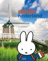 Nijntje reist door Nederland en laat zien wat ons land allemaal te bieden heeft. De prachtige foto's van Hollandse Hoogte geven in combinatie met nijntje een fris en aantrekkelijk beeld van de diversiteit van Nederland. Van landschappen met luchten, molens en koeien, tot kunst, cultuur en architectuur.