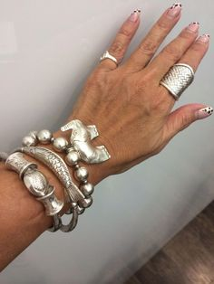 68 Trendy ideas for jewerly silver bracelets beautiful - jewelry Chunky Jewelry, Boho Jewelry, Jewelry Accessories, Jewelry Design, Fashion Jewelry, Women Jewelry, Chunky Silver Rings, Gold Jewellery, Ankle Bracelets