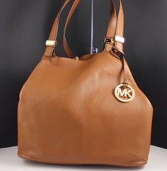 Magnifique sac Michael  kors couleur camel