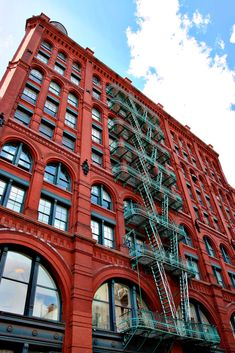 New York City: Schönes altes rotes Haus in Soho (How To Build A Shed On Concrete)