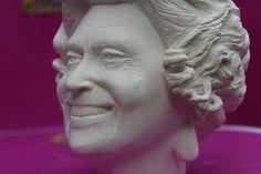 https://www.facebook.com/HM-the-Queen-Elizabeth-II-bust-1002473423178950/