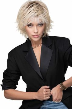 Shaggy Short Hair, Short Shag Hairstyles, Short Layered Haircuts, Bob Hairstyles For Fine Hair, Razor Cut Hairstyles, Edgy Short Hair, Fringe Hairstyles, Boy Hairstyles, Hairdos