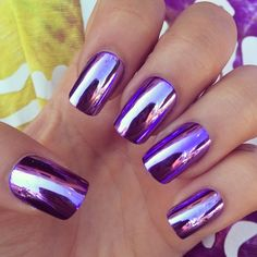 We know that how much girls are obsessed with with cool metallic nails and Mirror nails these days.Mirror and metallic nails fashion has become more popular than any other nail art these days. Nail Art Violet, Purple Nail Art, Purple Nail Designs, Cute Nail Designs, Purple Chrome Nails, Purple Manicure, Purple Nail Polish, Polish Nails, Chrome Nail Colors