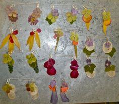 veronica guiduzzi, orecchini fiori plastificati , 2011