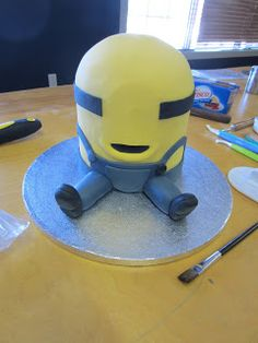 Sugar Sweet Cake Company: Meet Rick...A Minion Cake Tutorial