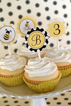 So cute!  Bumble Bee Collection - Printable Party Circles {by The Tomkat Studio on Etsy}