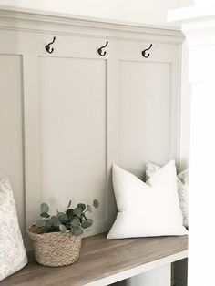 The best modern farmhouse paint colors and stains Favorite white paint colors. Best neutral paint co Coastal Paint Colors, Farmhouse Paint Colors, Room Paint Colors, Interior Paint Colors, Paint Colors For Living Room, Stain Colors, Light Paint Colors, Interior Design, Paint Colors For Furniture