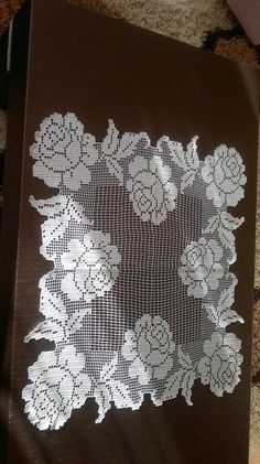This Pin was discovered by Sim Crochet Cardigan Pattern, Crochet Motif, Crochet Doilies, Crochet Flowers, Crochet Lace, Crochet Patterns, Crochet Placemats, Crochet Table Runner, Embroidery Patterns