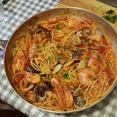 Seafood Pasta, Seafood Recipes, Pasta Recipes, Cooking Recipes, Italian Dishes, Italian Recipes, La Trattoria, Italy Food, Fusion Food