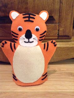 Felt Puppets, Hand Puppets, Felt Crafts, Crafts To Make, Classroom Rules, Cub Scouts, Tigger, Cubs, Activities For Kids
