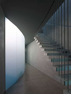 :: STAIRS :: adore the work of Allan Powell Architects are a design focused Architecture and Interior design practice based in Melbourne. Lovely cantilevered concrete treads with simple vertical steel rod detail in replacement of typical guardrail / handrail detail #stairs #concrete