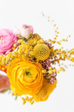 Spring Mini Florals: Bouquets and Boutonnieres for Weddings and Everyday Entertaining (Paper and Stitch) Diy Wedding Bouquet, Diy Wedding Favors, Diy Wedding Decorations, Bridal Flowers, Flowers In Hair, Fresh Flowers, Wedding Flower Arrangements, Floral Arrangements, Flower Cart