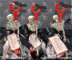 { HappyLittleArt }:  halloween shovel treats