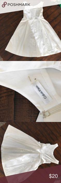 White Calvin Klein Dress White Calvin Klein dress. Size 4. Back zipper. Side pockets. Calvin Klein Dresses Midi