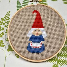 wanna learn to make these cross stitch gnomes... it looks pretty easy to figure out!