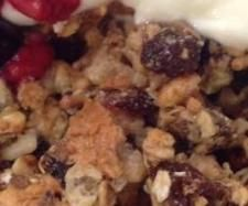 Recipe Change It Up Granola by Kate Monger, learn to make this recipe easily in your kitchen machine and discover other Thermomix recipes in Basics. Kitchen Machine, Recipe Community, Granola, Snacks, Recipes, Change, Food, Thermomix, Appetizers