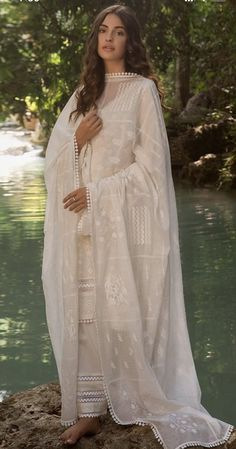 Pakistani Fashion Casual, Indian Fashion Dresses, Pakistani Outfits, Simple Pakistani Dresses, Pakistani Dress Design, Pretty Prom Dresses, Emo Dresses, Eastern Dresses, Nikkah Dress