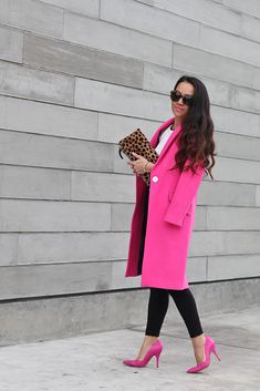Clare V leopard foldover clutch, Kate Spade lottie pink pumps, Topshop petite ripped high waist black jeans, Topshop scallop neck fluted sweater Pretty Outfits, Cute Outfits, Casual Outfits, Fashion Outfits, Fashion Trends, Girly Girl, High Waisted Black Jeans, Moda Chic, Winter Stil
