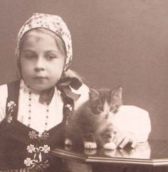Swedish late 1800s CDV Photo Beautiful Girl Folk Dress and a Kitten Cat