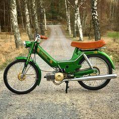 Lovely weather for a ride today ? : Lovely weather for a ride today ? Moped Motor, Puch Moped, Bsa Bantam, Vintage Moped, Custom Moped, Mini Chopper, 50cc, Bike Art, Go Kart