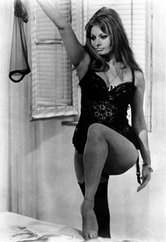 Sophia Loren. Real woman, real curves, real beauty.