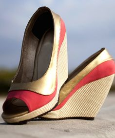 OPEN TOE SALMON LEATHER WEDGES WITH GOLD DETAIL