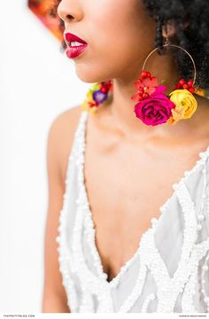 Flower earrings | Photography: Wesley Vorster Photography | Flowers: Epanouir Flower Studio