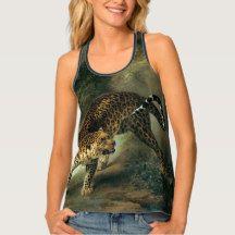 Wearable snarling leopard art tank top