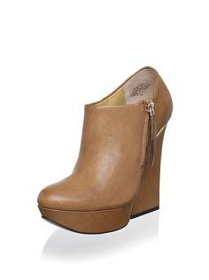 Boutique 9 Women's Elister Ankle Boot, http://www.myhabit.com/redirect/ref=qd_sw_dp_pi_li_c?url=http%3A%2F%2Fwww.myhabit.com%2F%3F%23page%3Dd%26dept%3Dwomen%26sale%3DA3EUUT24MRX37T%26asin%3DB009A2VGTS%26cAsin%3DB0088QCOHU