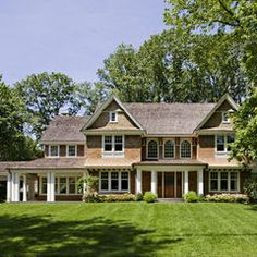 Love the porte cochere leading to a detached garage in the rear of this Greenwich, Connecticut, shingle-style house! Porte Cochere, Shingle Style Homes, Gambrel, Traditional Exterior, My Dream Home, Dream Homes, Humble Abode, Exterior Design, Beautiful Homes