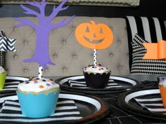 Design Sprinkle: Halloween Party Ideas #NightmareBeforeChristmas #Cupcakes