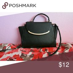 Black purse Black purse with gold detail ⚡fast shipper- shipped within next morning or 2 days after Bags